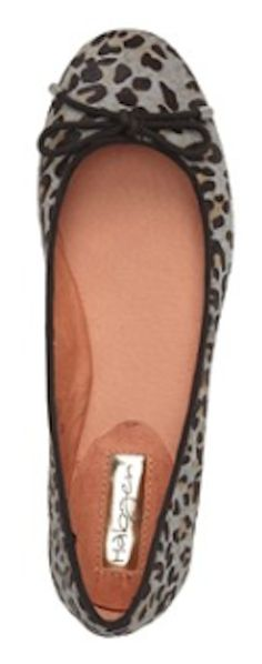 grey leopard print flats  http://rstyle.me/n/qf7hwpdpe