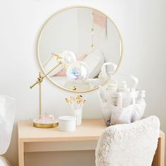 Create a get-ready station in your dorm room with our No Nails Metal Framed Mirror that's easy to hang with 3M tape. Pottery Barn Teen No Nails Metal Framed Mirror
