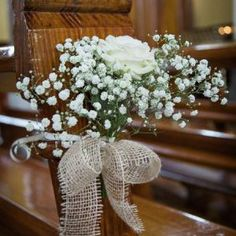 Pew Holders For Wedding Flowers 2019 - 5 easy diy ideas to decorate your wedding pews in 2019 Church Wedding Decorations Aisle, Simple Church Wedding, Wedding Church Aisle, Wedding Pews, Simple Elegant Wedding, Simple Weddings, Church Pews, Pew Flowers, Church Flowers