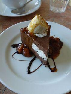 ショコとバナナのケーキ CAFE MEURSAULT D'APRE'S(カフェ・ムルソー・ダプレ)