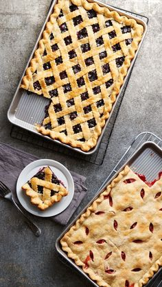 This makes a lot more sense for my family! 9 Slab Pies That'll Make You Wonder Why You Even Own a Pie Pan: Who wants a slice of pie when you can have a slab? These sweet and easy slab pie recipes prove that it's all in the crust. 13 Desserts, Delicious Desserts, Dessert Recipes, Yummy Food, Birthday Desserts, Plated Desserts, Healthy Food, Sweet Pie, Pie Cake