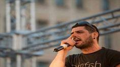 Miles personas despiden al cantante antifascista Killah P en Atenas