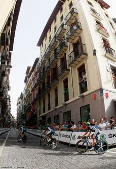 Vuelta a Espana (2012) Photos; Stage 1: Pamplona, 16.2 km (TTT) - Movistar on course during the narrow, cobbled 16.2 km team time trial in Pamplona!