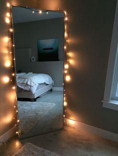 14 Decorations Your Mirror Needs To Have The Best Selfies - Raumdekoration - Dream Rooms, Dream Bedroom, Teen Bedroom, White Bedroom, Bedroom In Living Room, Room Decor Bedroom, Ladies Bedroom, Light Bedroom, Bedroom Desk