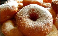 Air donuts on kefir. Breakfast Recipes, Dessert Recipes, Desserts, Russian Pastries, Sweet Pastries, Seafood Dishes, Winter Food, Winter Meals, Tasty Dishes
