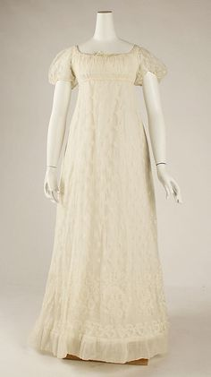 Dress, 1805–10, European, cotton. In the Metropolitan Museum of Art collection. (More pictures of this dress are available on the museum's website.)