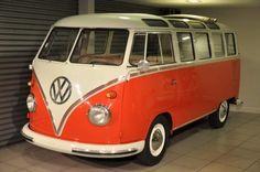 """Furgoncino #VolkswagenT2: unico e ricco di storia e dalla fama planetaria. Noto anche come il """"Bulli"""" o """"furgoncino hippie"""""""