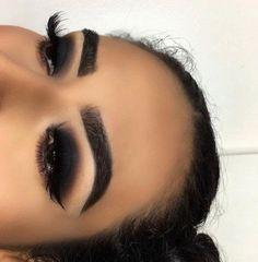 Black Smokey Eye Black And Gold Eyeshadow, Black Smokey Eye Makeup, Gold Smokey Eye, Dark Eyeshadow, Dark Makeup, Eyeshadow Looks, Eyeliner Types, Eyeliner Brands, How To Apply Eyeliner