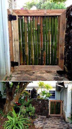 8/Un mur de bambou peut également être installé dans votre salle de bain Pour isoler vos toilettes dans la salle de bain, il n'y a pas plus esthétique ! 9/ Fabriquez un cadre photo écologique Et c'est un joli cadeau fait maison, vous ne trouvez pas ? 10/ Palettes et bambous sont les matériaux parfaits pour construire un portillon C'est …