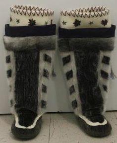 Inuit made sealskin women's kamiks by Nanasie Alivaktuk