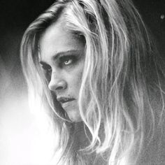 is Radio, rediscovered - Brave Princess: Songs for Clarke Griffin () by HelenSunflower in Edinburgh Princess Songs, Brave Princess, Clarke The 100, Clarke And Lexa, Eliza Jane Taylor Cotter, Eliza Taylor, Griffin Drawing, Clark Griffin, Mick Rory