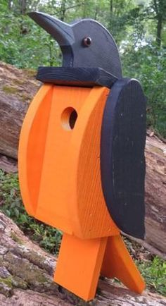 BIG BOLD & BEAUTIFUL Amish Handmade Baltimore / Northern Oriole Solid Wood Bird House What an awesome, unique bird house. Extremely solid piece looks fantastic mounted on a fence post, etc. Beautiful