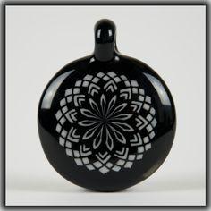 Heady Hunter Borosilicate Glass Art Gallery | Bo Howe Black & White Fillacello Pendant (#4 of 5)