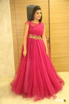 Lace Prom Gown, Long Gown Dress, Lehnga Dress, Party Wear Frocks, Gown Party Wear, Long Dress Design, Dress Neck Designs, Blouse Designs, Indian Fashion Dresses