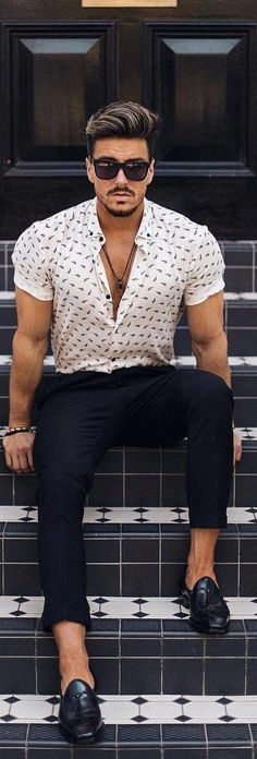 Stunning Printed Shirt Outfit Ideas For Men White Shirt Outfits, Hipster Outfits, Hipster Fashion, Hipster Clothing, White Shirt Men, Rock Outfits, Apparel Clothing, Emo Outfits, Half Sleeve Shirts