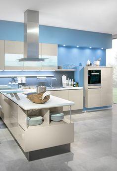 moderne helle Küche, designküche in hellblau