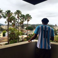 Justise Winslow takes in the summer in this classic Argentina colorway. Athletes = fans of athletes!  #Tevez