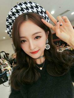Xuan Yi - WJSN Kpop Girl Groups, Korean Girl Groups, Kpop Girls, Yuehua Entertainment, Starship Entertainment, Korean Girl Band, Bubblegum Pop, Xuan Yi, Cheng Xiao