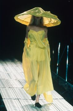 Yohji Yamamoto 1997 Collection © Monica FEUDI