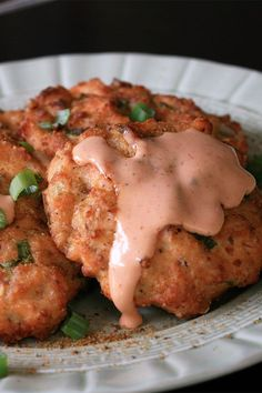 These air fryer salmon cakes are a quick and easy salmon recipe! Cook the best air fryer salmon using salmon fillets and seafood seasoning. You will love cooking these salmon cakes for lunch or dinner and topping them with sriracha mayo!