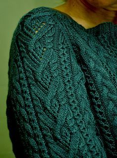 Cable Pullover by Patons ~ DK ~ bottom up ~ large range of sizes Inspiration Ravelry Cable Pullover pattern by Patons Sweater Knitting Patterns, Knitting Designs, Knitting Stitches, Knit Patterns, Free Knitting, Cable Knit Sweaters, Pulls, Knit Crochet, Knits