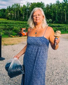 Looking for things to do when you come Traverse City, Michigan this summer? It's fruit country, so consider a day of blueberry picking! If you come to Northern Michigan in the late summer, U-Pick blueberry farms are all around. Homemade blueberry jams, muffins and berries by the handful while at the beach are in your foreseeable future. #TraverseCity #BlueberryPicking #AFullLiving #PureMichigan Blueberry Picking, Blueberry Farm, Foreseeable Future, Traverse City, Northern Michigan, Wine And Beer, Late Summer, Beautiful Beaches, Farms