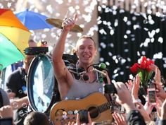 Video Premiere: Watch the new Coldplay's video 'A sky full of stars'