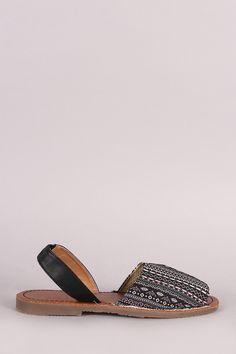 9df3ad59d7bd Aztec Print Slingback Flat Sandal Wadenmitte Stiefel, Kniehohe Stiefel,  Keilsandaletten, Schuhe Sandalen,