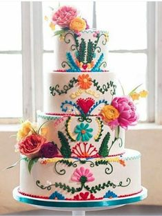 Plan a fun and festive charro quinceanera! The colorful decor, cakes, and ruffled dresses will make you instantly fall in love. ideas 50 Things to Add to Your Charro Quinceanera Pretty Cakes, Beautiful Cakes, Amazing Cakes, Beautiful Beautiful, Mexican Birthday, Mexican Party, Mexican Fiesta Cake, Mexican Desserts, Mexican Themed Weddings