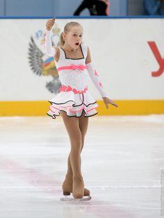 Фотографии Первенство России 2012 - Девушки, Короткая программа, часть 1 - FSkate.ru