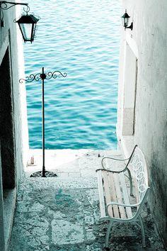 Seaside Bench, Rovinj, Croatia. need me some beach-age pretty bad about now.