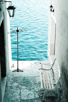 Seaside Bench, Rovinj, Croatia. need me some beach-age pretty bad about now.