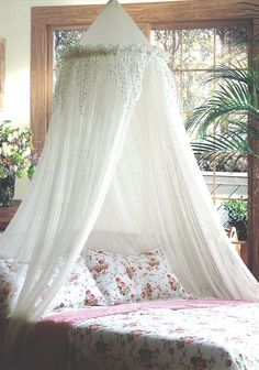 Mosquito Nets 4 U Bed Canopy With Silver Sequined Valance, White