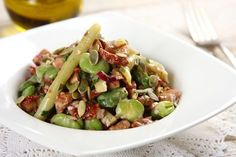 Bób z fasolką szparagową Sprouts, Potato Salad, Bob, Potatoes, Vegetables, Ethnic Recipes, Bob Cuts, Potato, Vegetable Recipes
