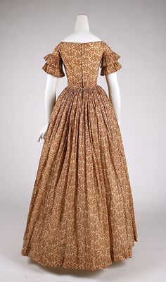 1847 ___ Dress ___ Cotton ___ American ___ at The Metropolitan Museum of Art ___ photo 3 ___ (NOTICE piping on armholes  back side seams)