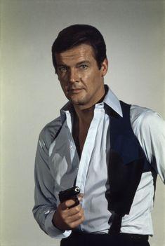 L'acteur britannique, célèbre pour son interprétation de James Bond et du Saint, est décédé des suites d'un cancer ce mardi 23 mai à l'âge de 89 ans.