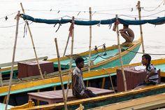 Good Varanasi Boat images - http://indiamegatravel.com/good-varanasi-boat-images/