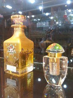 Pure fragrance %100 saf koku özleri Binlerce çeşit size ve Sevdiklerinize özel www.safkoku.com adres:çankaya mah.silifke cad. no/19 B Akdeniz mersin Türkiye.