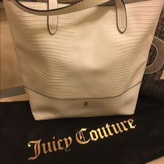 Juicy Couture shoulder bag Super cute and perfect for Spring and Summer! It is brand new without tags, never used. Offers welcome :) Juicy Couture Bags Shoulder Bags
