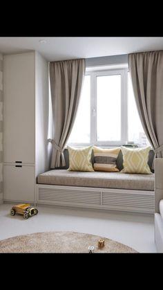 Este posibil ca imaginea să conţină: sufragerie, masă şi interior Room Design Bedroom, Bedroom Furniture Design, Home Room Design, Home Decor Furniture, Home Decor Bedroom, Home Interior Design, Living Room Designs, Living Room Decor, Small Bedroom Storage