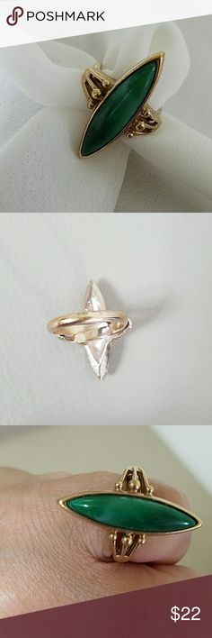 SARAH COVENTRY RING I think it is a sz 6 Sarah Coventry Jewelry Rings