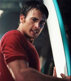 Chris evans on cellular, love that movie and should probably find it and watch it sometime Capitan America Chris Evans, Chris Evans Captain America, Logan Lerman, Shia Labeouf, Amanda Seyfried, Youtubers, Captan America, Captain Rogers, Robert Evans