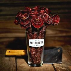 GIFT-FEED: Beef Jerky Rose Broquet Valentines Gift Christmas Presents For Grandparents, Best Christmas Presents, Christmas Fun, Gourmet Gifts, Food Gifts, Gourmet Recipes, Beef Jerky Roses, Edible Roses, Prank Gifts