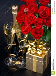 Happy Birthday Flowers And Champagne Happy Birthday Rose, Happy Birthday Wishes Cake, Happy Birthday Celebration, Birthday Roses, Happy Birthday Pictures, Happy Birthday Messages, Happy Birthday Greetings, Rose Flower Arrangements, Flowers