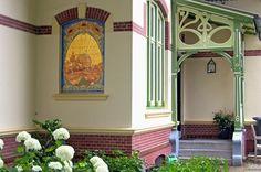 Entrance of Jugendstil villa, Usquert