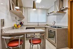Apartamento ES por Luciana Ribeiro Arquitetura | homify Table, Furniture, Home Decor, Good Ideas, Log Projects, Arquitetura, Decoration Home, Room Decor, Tables
