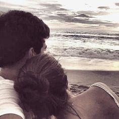 شايف البحر شو كبBeing with you by the water laying on with my head on your shoulder is everything بحبك❤️