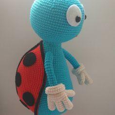 53 отметок «Нравится», 3 комментариев — Oksana Fadeeva (@delorukami) в Instagram: «Мой букашкин – божья коровка 🐞😋😋😋 #toy#handmade#ladybug#crochet#amigurumis#amigurumi…»