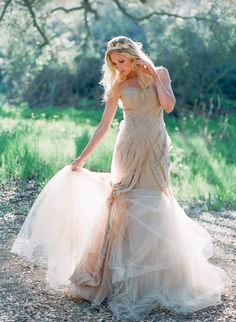 A roundup of the most amazing Vera Wang wedding dresses worn by real brides on Style Me Pretty. Wedding Dress Types, Open Back Wedding Dress, Amazing Wedding Dress, Classic Wedding Dress, Backless Wedding, Wedding Dresses, Wedding Shoot, Altar, Vera Wang Wedding