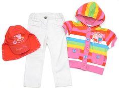 #PeppaPig-Set mit weisser Hose, Streifenpullover und Mütze.